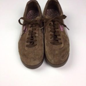 Puma Shoes - Puma Roma Brown and Pink Classics (suede top)